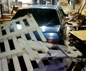 На Пасічній п'яний водій в'їхав у кафе