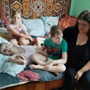 Родині з Болехова, яка виховує двох важкохворих діток потрібна допомога