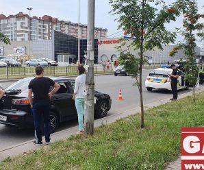 У Франківську на пішохідному переході автівка збила дворічну дівчинку (ФОТО)