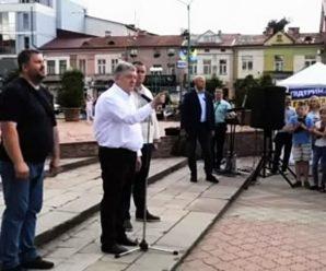 """""""Наступного разу по пиці получите!"""" Порошенко пообіцяв лупцювати тих українців, які будуть кричати йому """"Ганьба!"""""""