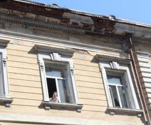 На Прикарпатті 1,5 тисячі людей живуть в аварійних будинках
