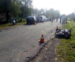 На Прикарпатті автомобіль зіткнувся з мотоциклом