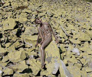 У Франції відкрили виставку відвертих фото, які знімали у Карпатах (фото 18+)