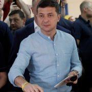 В Івано-Франківську жінка порвала бюлетені, тому що Зеленського не було в списках