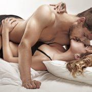 Завжди в новинку: 5 способів пожвавити інтимне життя