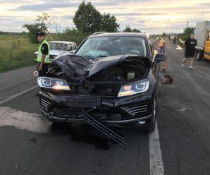 Шалена швидкість: податківець на елітному позашляховику на смерть збив молодого хлопця (фото, відео)