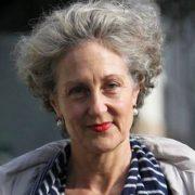 Сумна істина письменниці Елізабет Фарреллі: «Ми не навчили дітей бути щасливими»