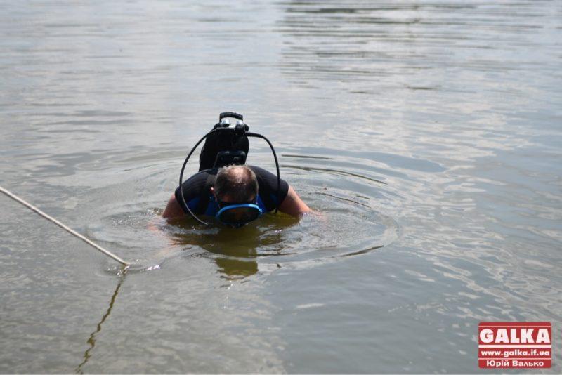 В коломийському озері втопився чоловік