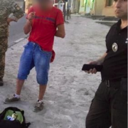 На Прикарпатті чоловік гуляв містом з марихуаною в рюкзаку