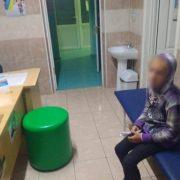 10-річна дівчинка вночі у Коломиї спала на лавці – батьків не було півтори доби