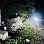 На Калущині автівка злетіла в кювет. Водій у лікарні, пасажир – загинув