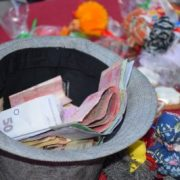 Франківців закликають замість квітів на 1 вересня допомогти онкохворим дітям