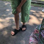 Б'ють залізною трубою та змушують мити туалети: у дитячому притулку жахливо знущаються над дітьми