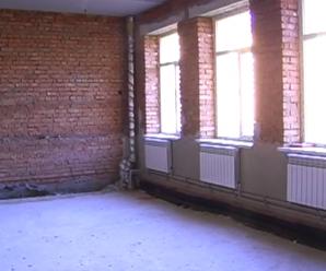 """""""Не вистачає аудиторій"""": на Прикарпатті діти будуть навчатися у коридорах (фото, відео)"""