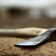 Рідний син жорстоко розправився з матір'ю: Відрубав голову
