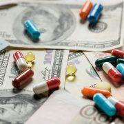 Рада хоче скасувати міжнародні закупівлі ліків. Пацієнтські організації проти