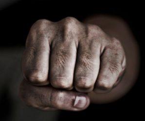 На Прикарпатті після бійки помер чоловік. Родичі загиблого обурені, бо фігурант на волі