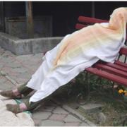 У Бурштині посеред вулиці померла жінка (ФОТО 18+)