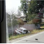 В Бурштині автомобіль злетів з дороги (ФОТО)
