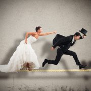"""""""Я така класна, чому він не одружується?"""": психолог дав відповідь на головне питання жінок"""