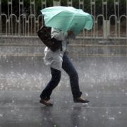Штормове попередження: на Франківщині передають град, грози та шквали