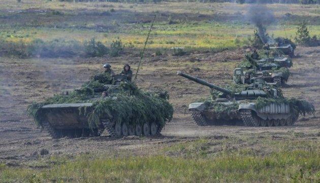 """Результат пошуку зображень за запитом """"Росія стягує бронетанкові групи впритул до кордону з Україною."""""""