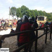 """Турнір, мотопробіг та повітряні кулі: на Прикарпатті стартував фестиваль """"Галицьке лицарство"""" (фото, відео)"""