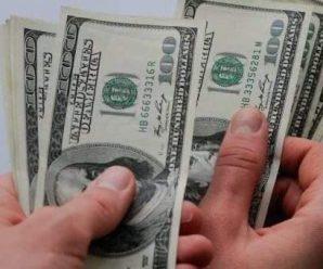 1000 фальшивих доларів: прикарпатець продав автомобіль за несправжні купюри