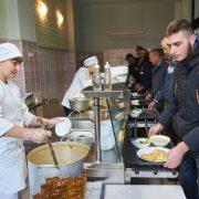 Пообідати за 15 гривень: відтепер таке можливе в Івано-Франківську (ФОТО)