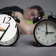 Переведення годинника скасують? Як перейти на зимовий час і що чекає українців