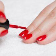 Як звичайні лаки для нігтів можуть вплинути на здоров'я