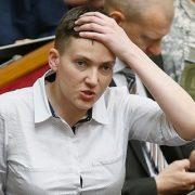 """""""Вона їх не миє""""? Фото Савченко з ногами на столі у ВР нажахало мережу"""