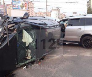 У поліції розповіли деталі карколомного ДТП на Вовчинецькій
