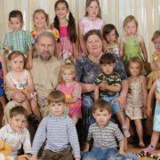 """""""Верещали в підвалах"""": московський піп у монастирі зґвалтував 7 дітей. """"Грошей повно, викрутиться знову"""""""