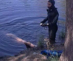 На Прикарпатті з річки витягли тіло чоловіка