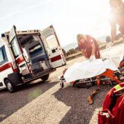 У Франківську під вантажівку потрапила дитина: лікарі рятують підлітка