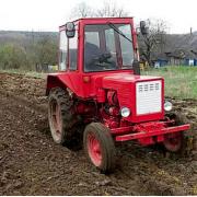 На Косівщині перекинувся трактор: водій загинув