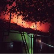 Пожежа на Болехівщині: надзвичайники врятували два будинки (ФОТО)