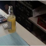 У центрі Франківська продали алкоголь та сигарети неповнолітньому – на продавця склали протокол