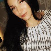Хотіла мати дітей: у пологовому після гінекологічної процедури померла жінка (фото,відео)
