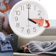 Переведення годинника на зимовий час може спровокувати спроби суїциду та інфаркти — експерт