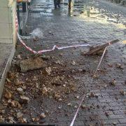 На Миколаївщині впав балкон з трьома прикарпатцями. Один загинув на місці