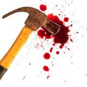 Пояснити не зміг: Чоловік під час сварки жорстоко вбив своїх батьків молотком