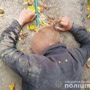 Рідний батько побив та зґвалтував 16-річну доньку у лісі