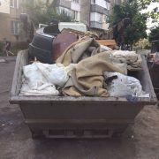 У Калуші ліквідують стихійні смітники зі старими меблями, матрацами і шинами