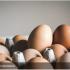 Чоловік помер намагаючись з'їсти 50 яєць