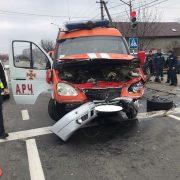 Четверо постраждалих. Оприлюднені подробиці ДТП за участі спецавтомобіля та Land Rover