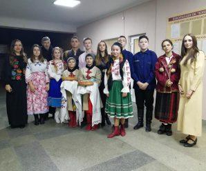 "У Калуші театр Silentium представив виставу ""Зерносховище"""