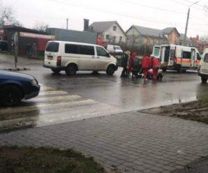 В Івано-Франківську на Об'їзній бус збив дівчину (фото)