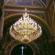 У церкві святого Архистратига Михаїла у Калуші встановили люстри